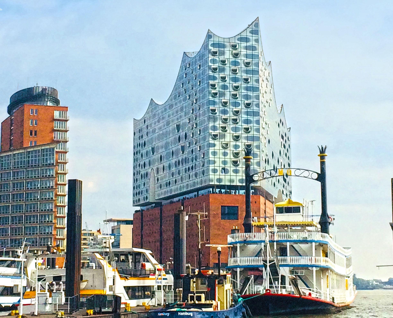 Elbphilharmonie med Hamborgs havn